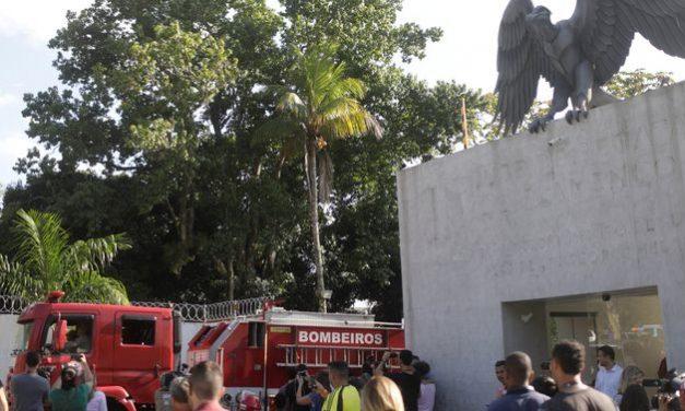 Força-tarefa vai apurar causas do incêndio no Centro de Treinamento do Flamengo