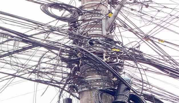 Audiência propõe fim de emaranhados de fios nos postes da cidade