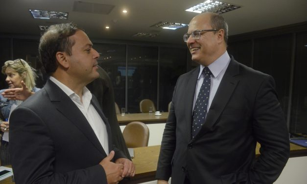 Rodrigo Neves participa de reunião do Rio Metrópole