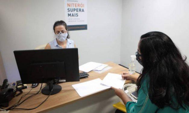 Empresas de Niterói já assinam contratos para receber empréstimos do Supera Mais