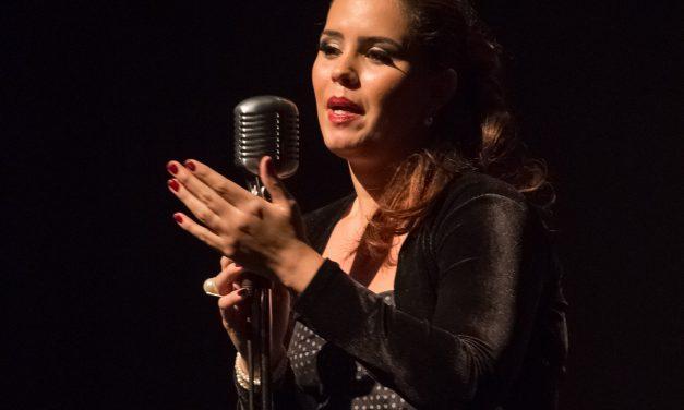 Mona canta Dalva em sessão virtual